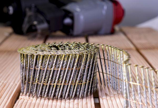Mauk Munition für Druckluft Coil Nagler MCN55 , twist shank; Spiralschaft, 2,3x57mm, 300 Stk. pro Gurt